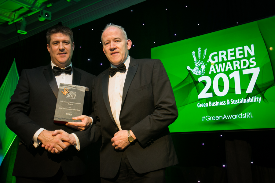 Stephen Mc Fadden accepts the 2017 Green Pharmaceutical Award